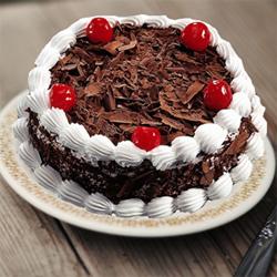 1/2kg Round black forest cake -