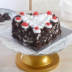 1kg Heart Shaped Black Forest Cake