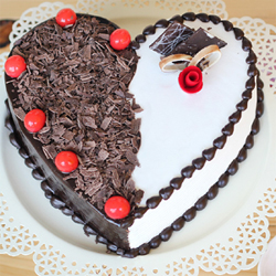 Indulge your loved ones in the amazing flavours of the all time favourite. Get one kg of all time favorite Black Forest cake