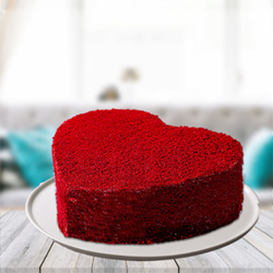 A heart is for love and so is the red colour. Bored with the regular ways of expressing love. Try this unique and pleasing combination of coffee with red coloured frosty layering in heart shape could be an ideal surprise for your love.