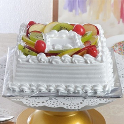 Perfectly suitable for all kinds of occasions and celebrations, this is a lovely mix fruit flavored cake in square shape that weighs one kg