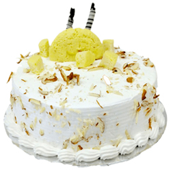 Pineapple Traditional Cake Made with Vanilla Sponge, Topped with Pineapple Pulp & Fresh Pineapple