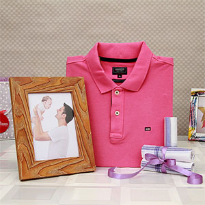 Pink T-shirt for Men with Set of 3 Handkerchiefs and Wooden Photo Frame