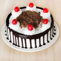 Half Kg Round shape Black Forest Cake