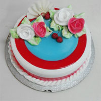 1 Kg birthday Strawberry cake to your near and dear, Quality Cakes from Best Bakeries.