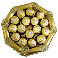 A wonderful handmade tray full of imported16pcs Ferrero Rocher chocolates.