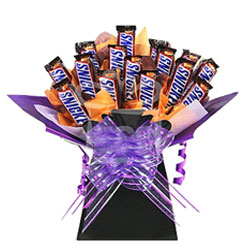 Have your very own snickers chocolate candy bouquet! This bouquet can serve as a gift to any age range, or just something special for yourself. 