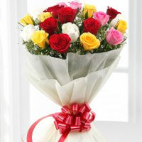 Charming bouquet of a dozen assorted roses, Flowers to Bangalore