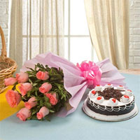Your Gift Contains: 10 Pink Rose Pink Packing Paper +1kg Black Forest Cake