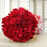 Beautiful 100 red roses bouquet.