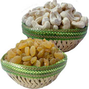 1/2 kg Cashews 1/2 kg Kismis . Very delicious and energetic. Healthy food for every one