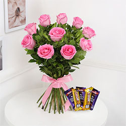 Bunch Of 10 Pink Roses & 5pcs Assorted Chocolates each one 13gms