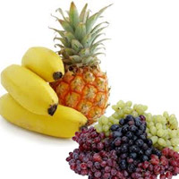 Banana,pineapples + 1kgs of grapes basket