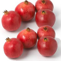 A basket of seasonal fresh pomegranates for your loved ones.10 pieces