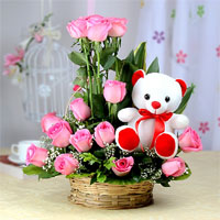 Basket Arrangement of 20 Pink Roses and White Teddy Bear (Size: 6 inches)