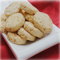 These butterscotch cookies with delicious taste and crunchy effect in every bite. 1kg