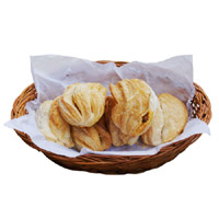 Paneer Puffs - 6 Pcs Spicy and Fresh Paneer Puffs