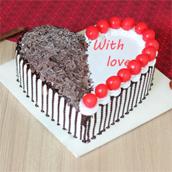 This heart shape cake in black forest flavour is the best combination of taste and beauty., Cakes to Delhi
