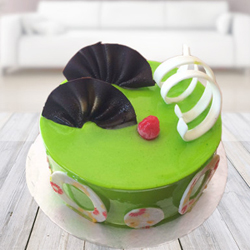 Elegantly sparkling green woven with perfect garnishing, this kiwi cake is the perfect gift for your near and dear ones