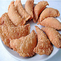 Kajjikaayalu : The traditional Kajjikaayalu for all happy and festive occasions. Weight: 1/2kg