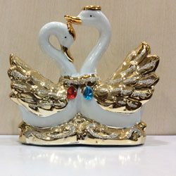 valentines day Show Pieces ceramic made, Gold coated. <br> 4 - 5 inch height. 3 to 4 working days