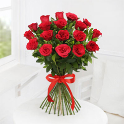 12 Luxurious arrangement of gorgeous red roses will add style and class to your loved ones day
