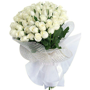 Bouquet of 30 white flower wrapped in a cellophane, Flowers to Bangalore