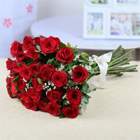 30 Red Roses in cellophane wrapping Bunch
