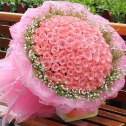 Pink roses always work wonders, no matter what the event or any occasion