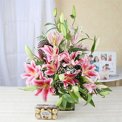 Vase Arrangement of 15 Pink Lilies with 16 Pcs Ferrero Rocher Box