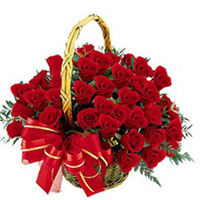 Send these 100 Roses basket to your loved one in India You can be sure that this enchanting rose basket will brighten up their day