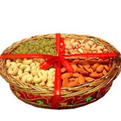 Dry Fruits in a Basket Gift your dear brother 400 Gms Dry Fruits decorated on a basket Gift to Gifting Dry Fruits Contents: Kaju, Almond Kismis, and Pista 100 gm each