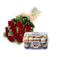 12 Red roses in a bunch 16 pcs ferrero rocher chocolates box