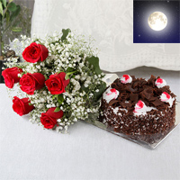 Bunch of 10 red  in a cellophane packing with matching Ribbon bow tied, 1 Kg Round Black forest Cake