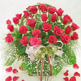 Red Rosesbasket