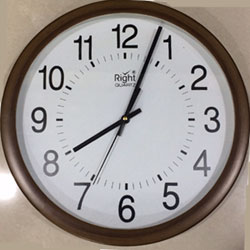 Elegant Wall Clock from Right Quartz   height : 12inch , widht :12inch  <br> Material:- Plastic <br> Color: teak wood colour <br> delivery time : 2 working days