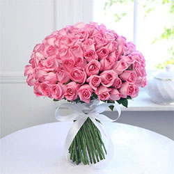 Express your love and emotions to your loved ones by gifting them this beautiful 100 pink flowers bunch