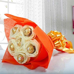 Chocolates are undoubtedly the best gift item for any occasion 6 pcs Ferrero Rocher Bouquet