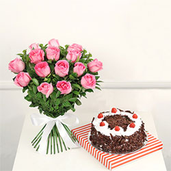 This set has a bunch of 12 pink roses, and a 1/2kg round black forest cake.